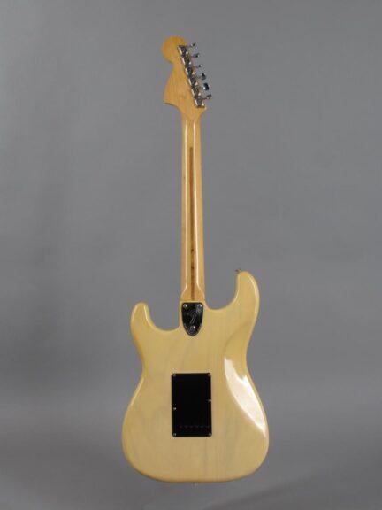 https://guitarpoint.de/app/uploads/products/1979-fender-stratocaster-blond-2/1979-Fender-Stratocaster-Blond-S919869_3-432x576.jpg