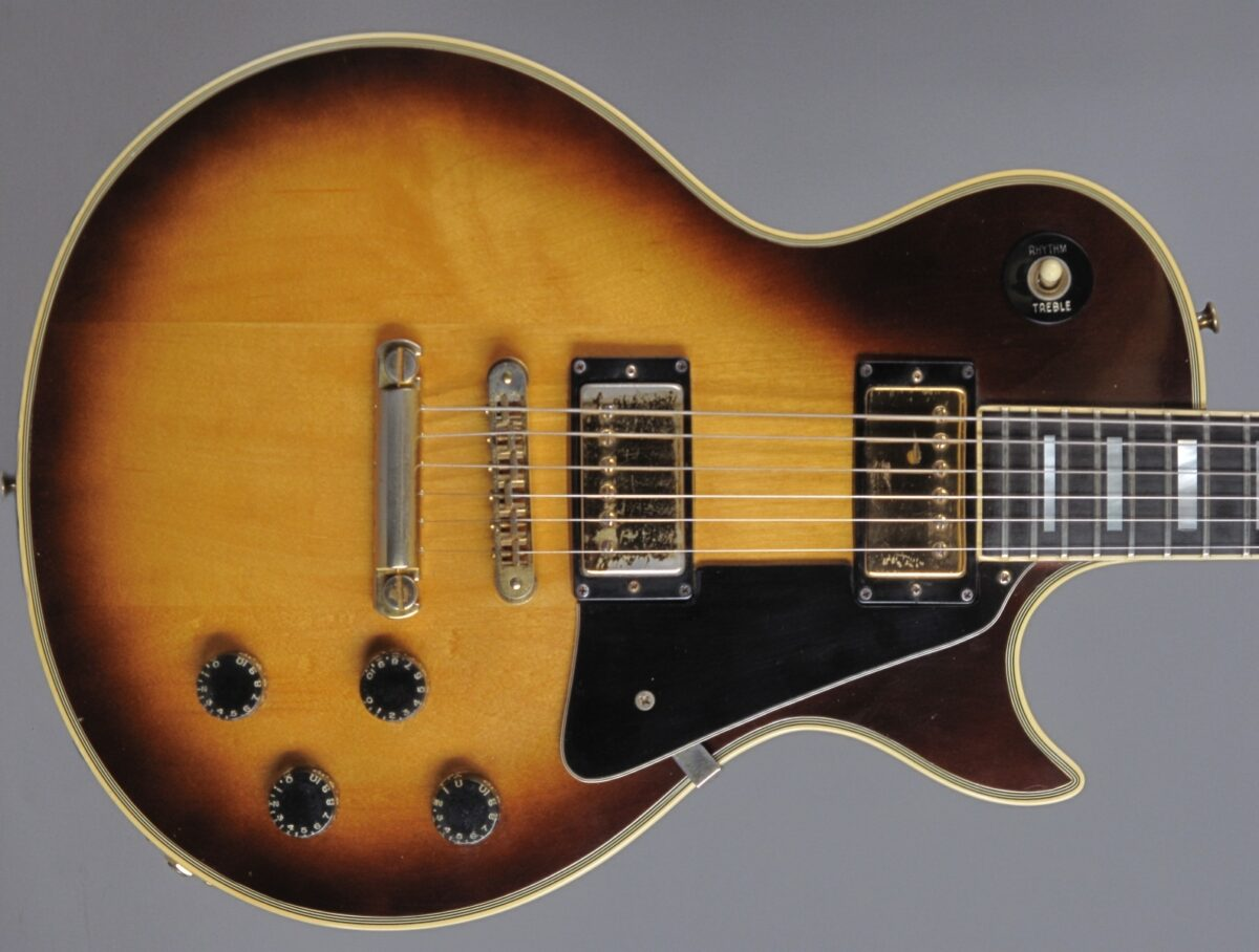 https://guitarpoint.de/app/uploads/products/1979-gibson-les-paul-custom-tobacco-sunburst/1979-Gibson-Les-Paul-Custom-Tobacco-72189543_2q-1200x908.jpg