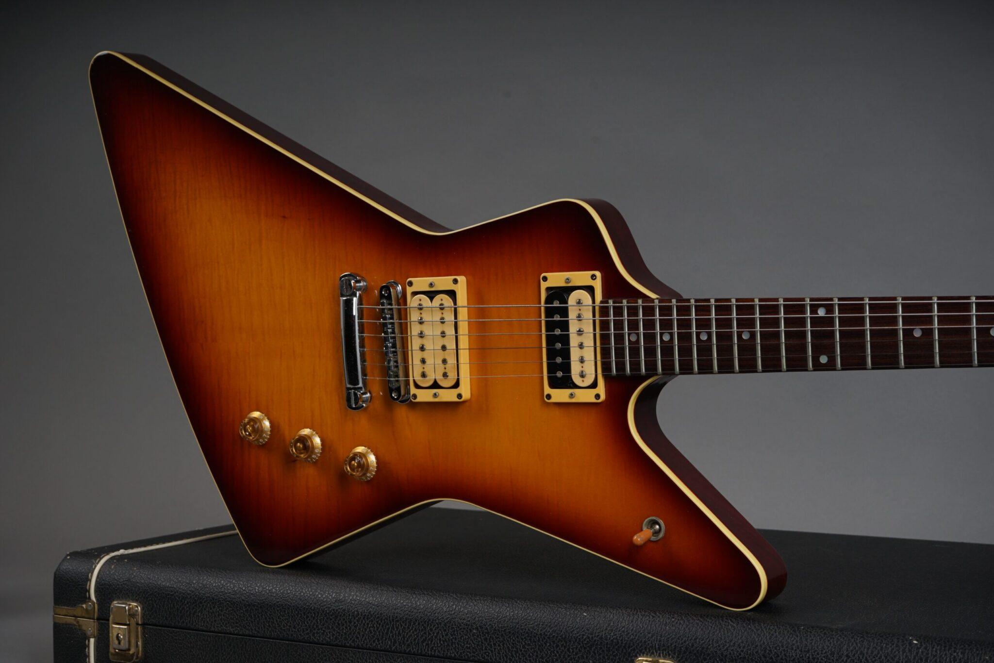 https://guitarpoint.de/app/uploads/products/1979-hamer-standard-sunburst-3/1979-Hamer-Standard-Sunburst-0202-19-1-scaled-2048x1366.jpg