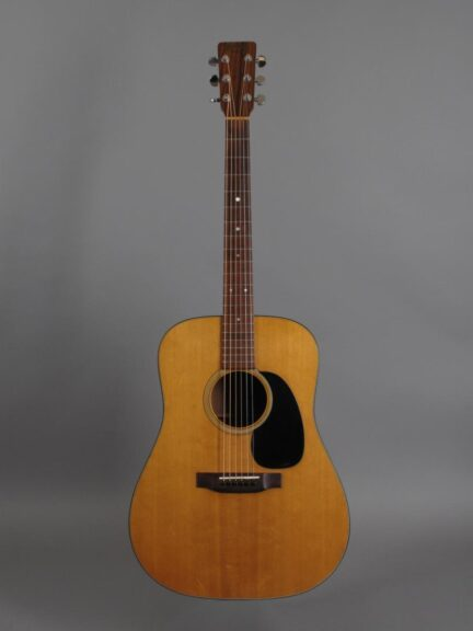 https://guitarpoint.de/app/uploads/products/1979-martin-d-18-natural/1979-Martin-D-18-Natur-413503_1-432x576.jpg