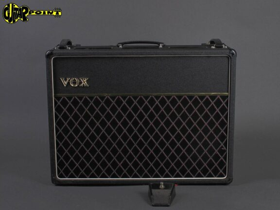 https://guitarpoint.de/app/uploads/products/1979-vox-ac-30-top-boost/VOX79AC30_2490_1-576x432.jpg