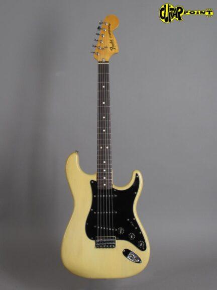 https://guitarpoint.de/app/uploads/products/1980-fender-stratocaster-blond-clean/Fender80StrBld_S984614_1-432x576.jpg