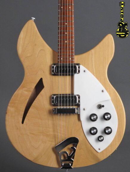 https://guitarpoint.de/app/uploads/products/1980-rickenbacker-330-mapleglo/Rickenbacker80_330MG_TE2112_2-436x576.jpg