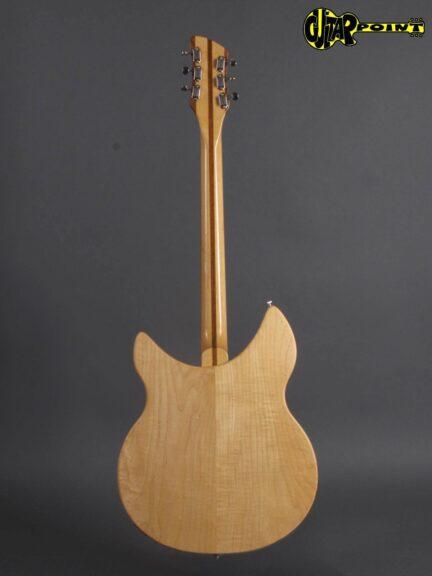 https://guitarpoint.de/app/uploads/products/1980-rickenbacker-330-mapleglo/Rickenbacker80_330MG_TE2112_3-432x576.jpg