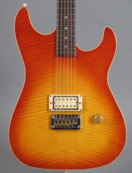 https://guitarpoint.de/app/uploads/products/1980s-erlewine-automatic-sunburst/1980s-Erlewine-Automatic-Sunburst-2-438x576.jpg