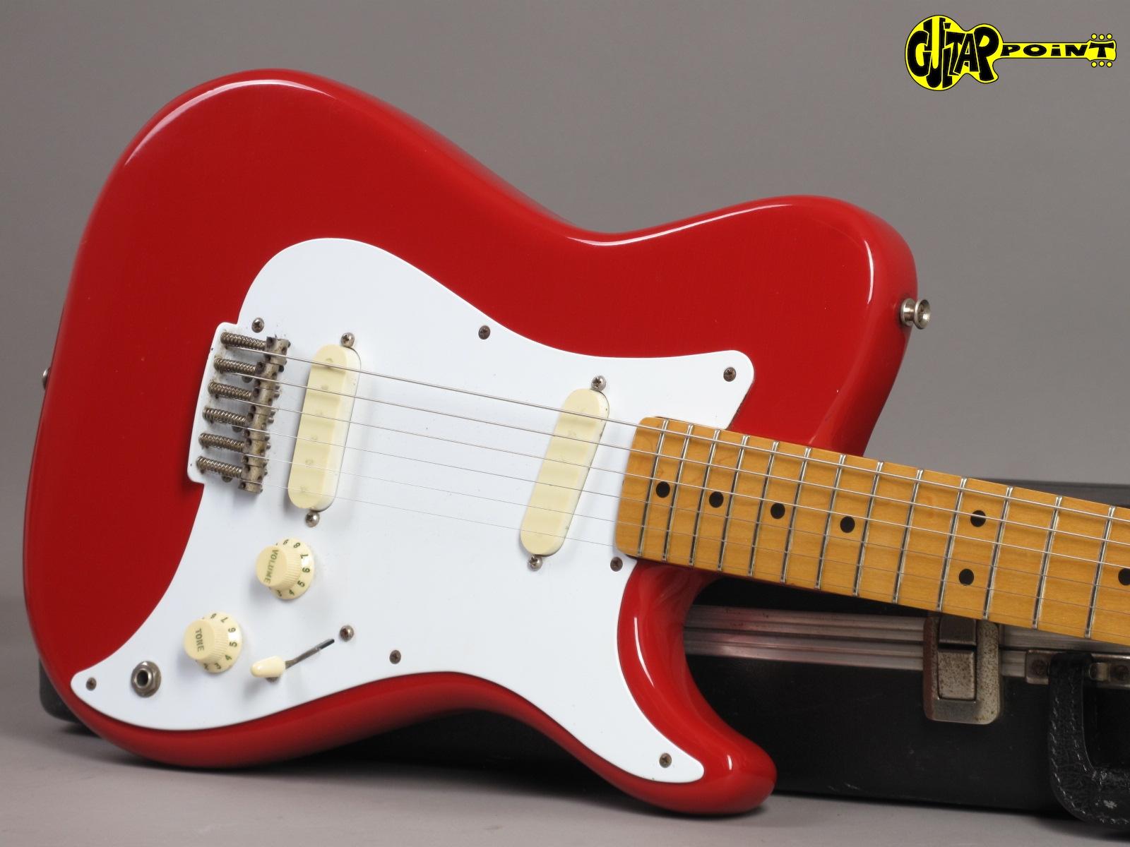 https://guitarpoint.de/app/uploads/products/1981-fender-bullet-red-made-in-usa/Fender81BulletRed_E111304_19.jpg