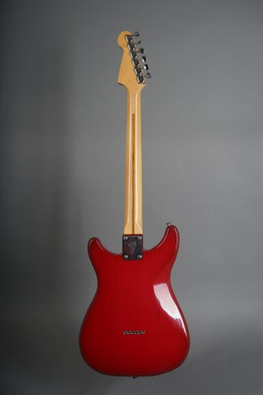 https://guitarpoint.de/app/uploads/products/1981-fender-lead-i-red/1981-Fender-Lead-I-Winered-E105612-3-scaled-384x576.jpg