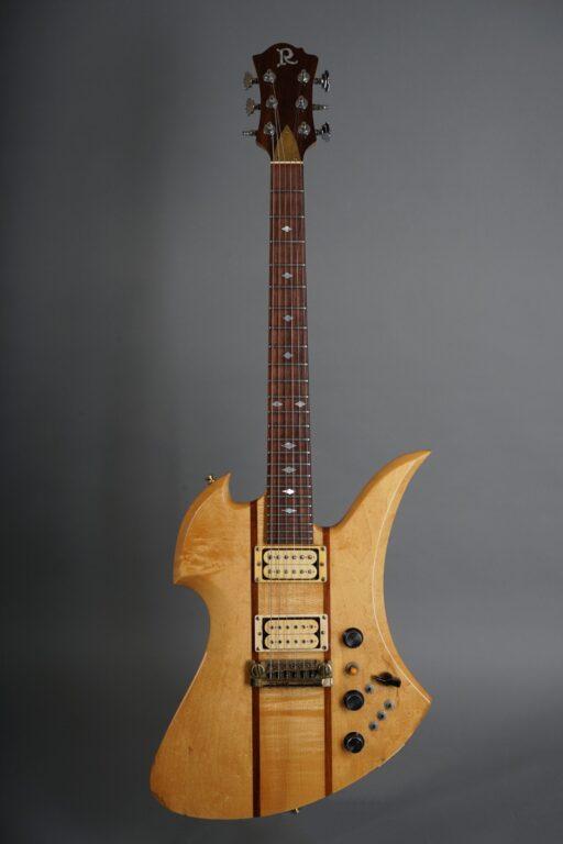 https://guitarpoint.de/app/uploads/products/1982-bc-rich-mockingbird-natural/1982-BC-Rich-Mockingbird-Natural-85153-1-scaled-512x768.jpg