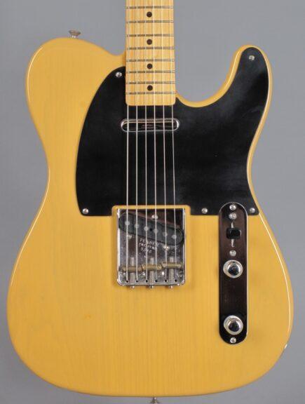 https://guitarpoint.de/app/uploads/products/1982-fender-fullerton-american-vintage-52-telecaster-blond/1987-Fender-Telecaster-52-Reissue-Blond-5080-2-435x576.jpg