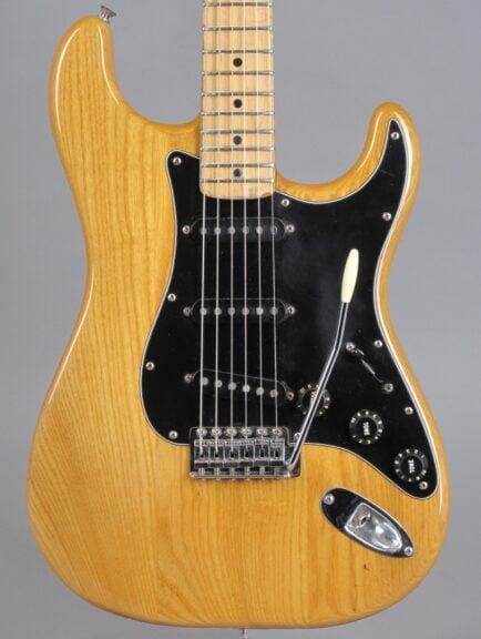 1982 Fender Stratocaster - Natural