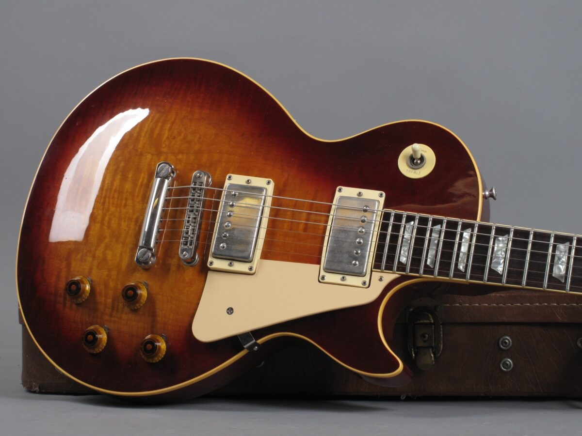 https://guitarpoint.de/app/uploads/products/1982-gibson-les-paul-heritage-80-heritage-cherry-sunburst/1982-Gibson-Les-Paul-Heritage-80-82082562_19-1200x900.jpg