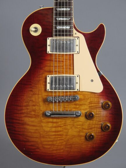 https://guitarpoint.de/app/uploads/products/1982-gibson-les-paul-heritage-80-heritage-cherry-sunburst/1982-Gibson-Les-Paul-Heritage-80-82082562_2-432x576.jpg
