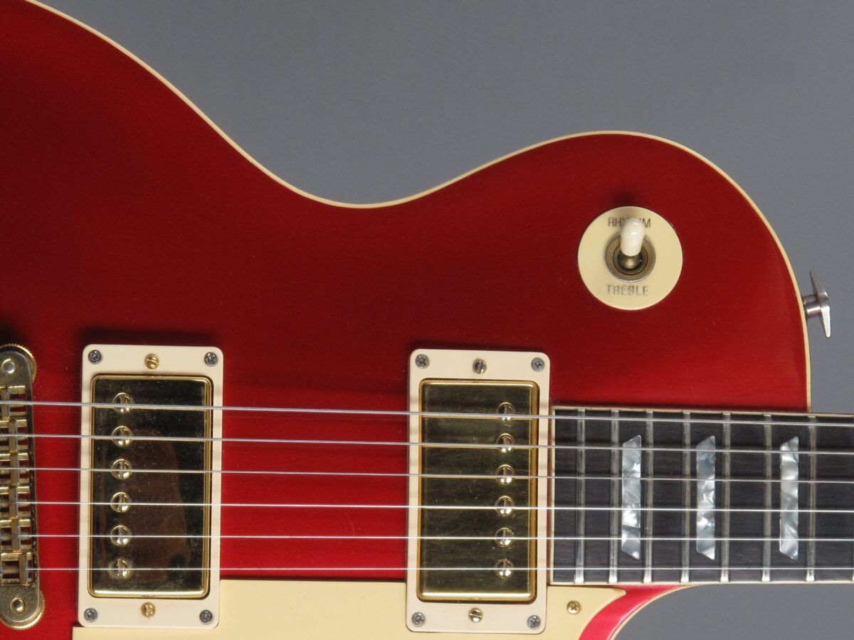 https://guitarpoint.de/app/uploads/products/1982-gibson-les-paul-standard-candy-apple-red/1981-Gibson-Les-Paul-Standard-Candy-Apple-Red-80412608_23-1200x900.jpg