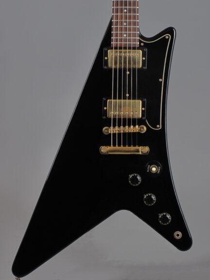 https://guitarpoint.de/app/uploads/products/1983-gibson-moderne-korina-heritage-ebony-exc/1983-Gibson-Moderne-Ebony-F041_2-432x576.jpg
