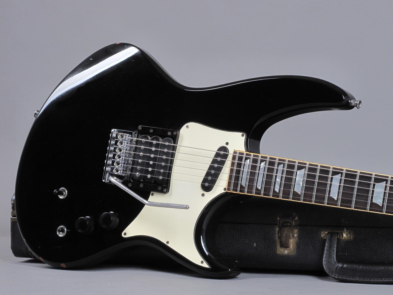 https://guitarpoint.de/app/uploads/products/1983-hamer-phantom-custom/1983-Hamer-Phantom-Black-98517-19.jpg
