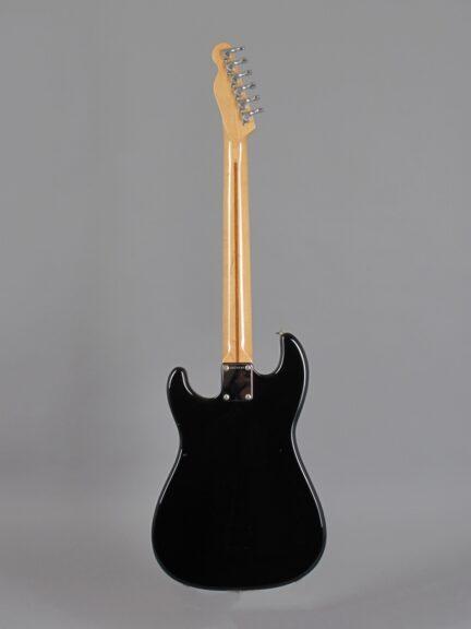 https://guitarpoint.de/app/uploads/products/1984-fender-squier-bullet-black/1982-Squier-Bullet-I-Black-SQ24241-3-432x576.jpg