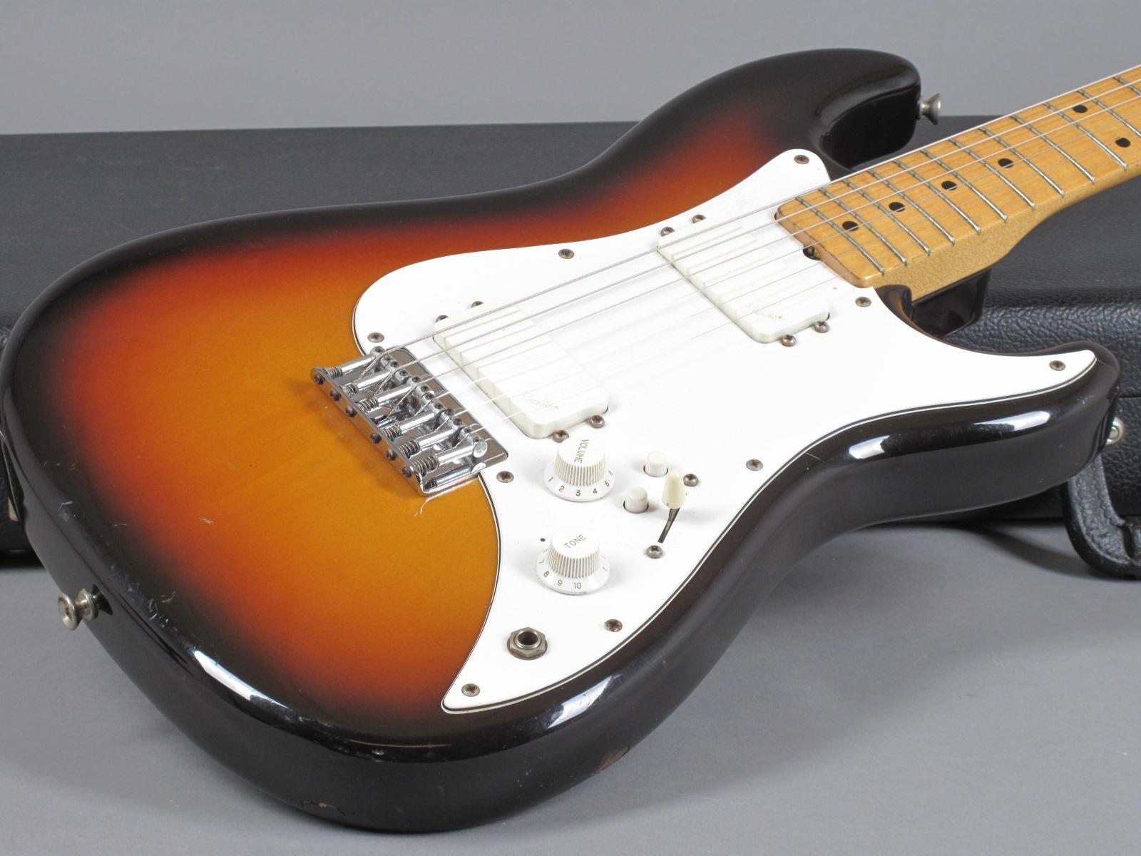 https://guitarpoint.de/app/uploads/products/1984-fender-squier-bullet-h2-sunburst/1984-Squier-Bullet-I-Sunburst-SQ29026-14.jpg