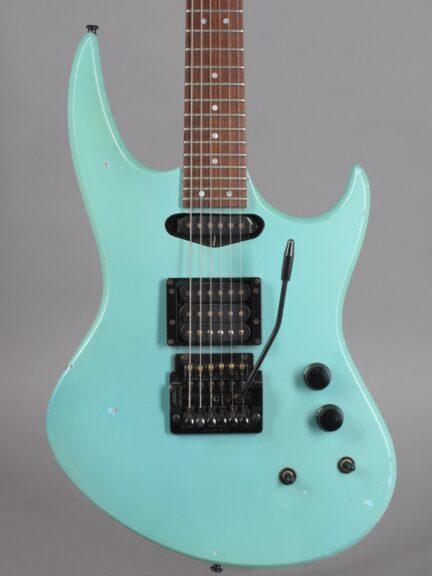 https://guitarpoint.de/app/uploads/products/1986-hamer-phantom-ice-blue/1986-Hamer-Phantom-Iceblue-615834-2-432x576.jpg