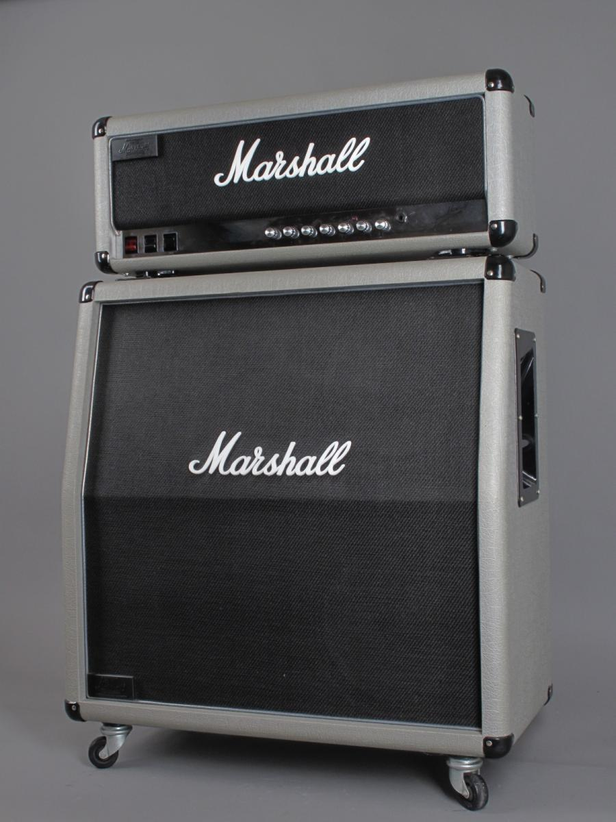 https://guitarpoint.de/app/uploads/products/1987-marshall-silver-jubilee-jcm-25-50-model-2555-100w-4x12-cab/1987-Marshall-2555-02348_2.jpg