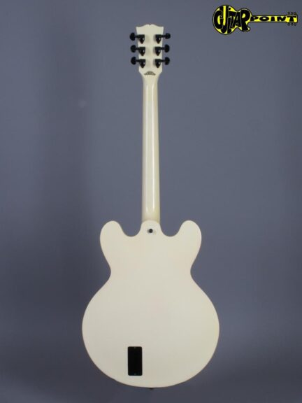 https://guitarpoint.de/app/uploads/products/1988-gibson-es-335-sc-white-showcase-edition-limited-1-of-200/Gibson87ES335White81048565_3-432x576.jpg