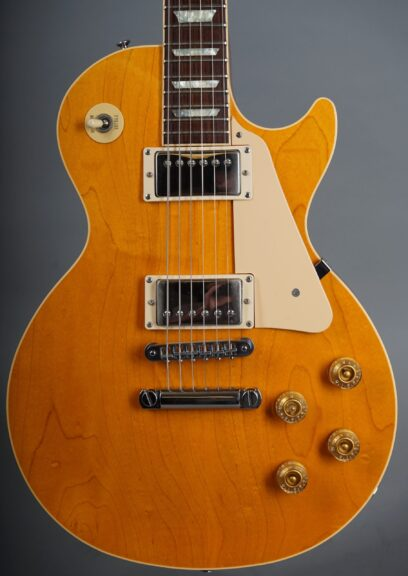 https://guitarpoint.de/app/uploads/products/1990-gibson-les-paul-standard-ltd-amber/1990-Gibson-Les-Paul-Standard-Natural-92360364-2-1-scaled-408x576.jpg