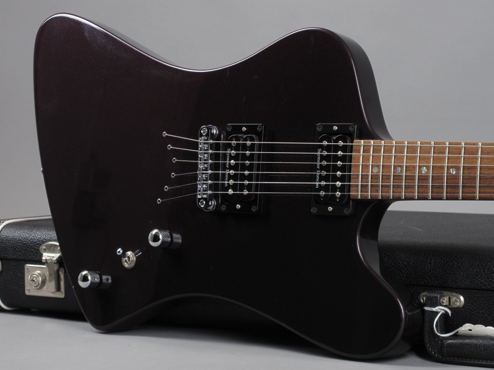 https://guitarpoint.de/app/uploads/products/1990-gmp-firebird-purple-metallic-made-in-san-dimas-usa/1990-GMP-Firebird-Purple-997_19.jpg