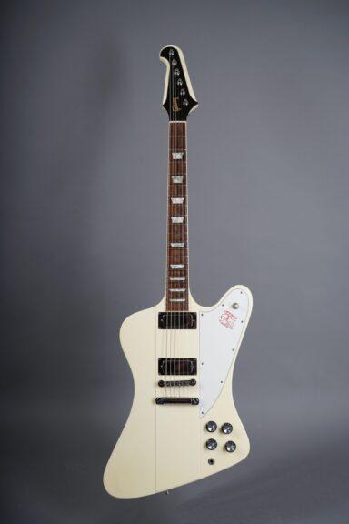 https://guitarpoint.de/app/uploads/products/1991-gibson-firebird-v-white/1991-Gibson-Firebird-V-White-90241717-1-scaled-384x576.jpg