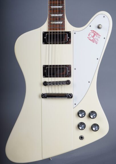https://guitarpoint.de/app/uploads/products/1991-gibson-firebird-v-white/1991-Gibson-Firebird-V-White-90241717-2-1-scaled-407x576.jpg