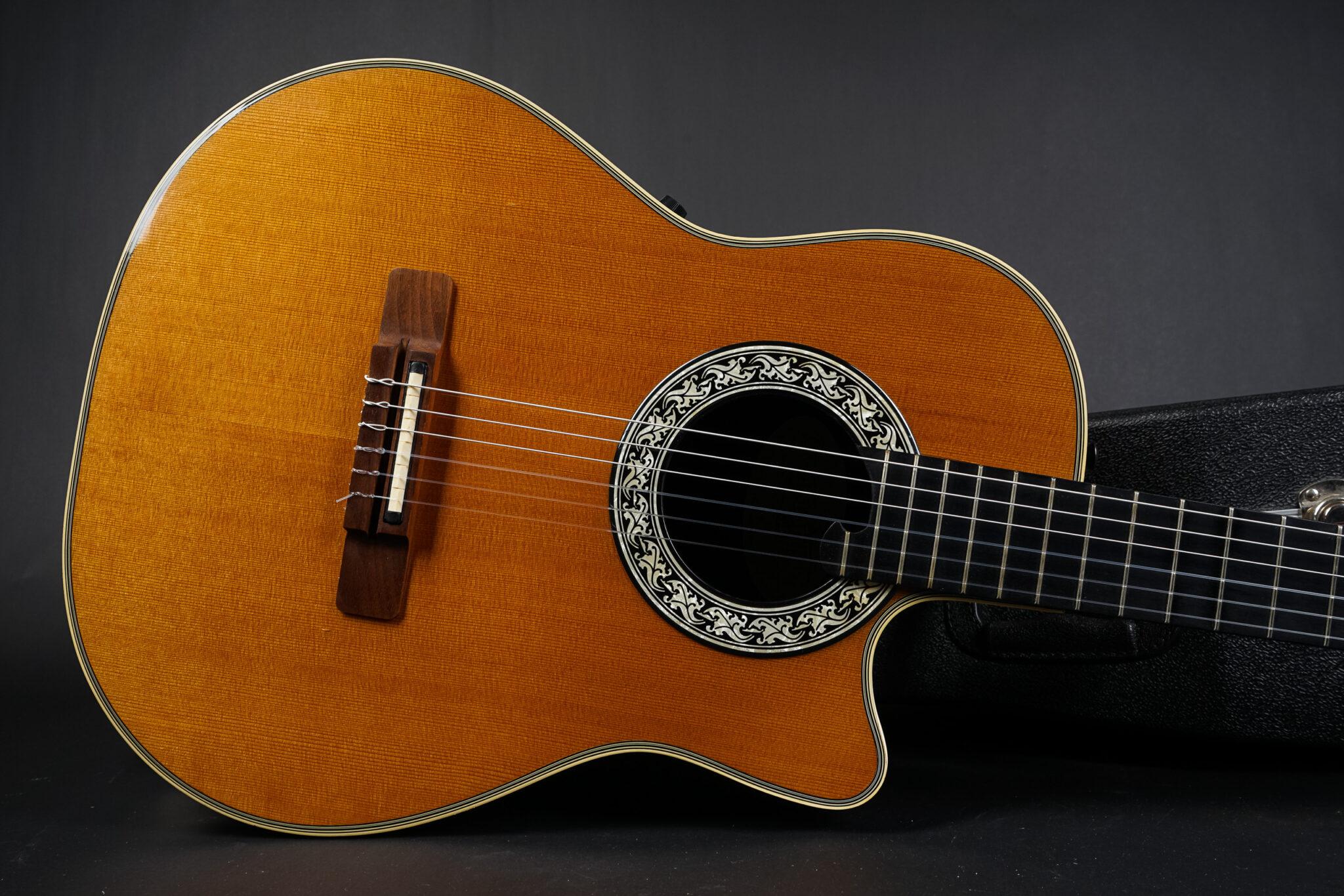 https://guitarpoint.de/app/uploads/products/1991-ovation-1763-classic-guitar-natural/1991-Ovation-1763-Classic-434788-8-2048x1366.jpg