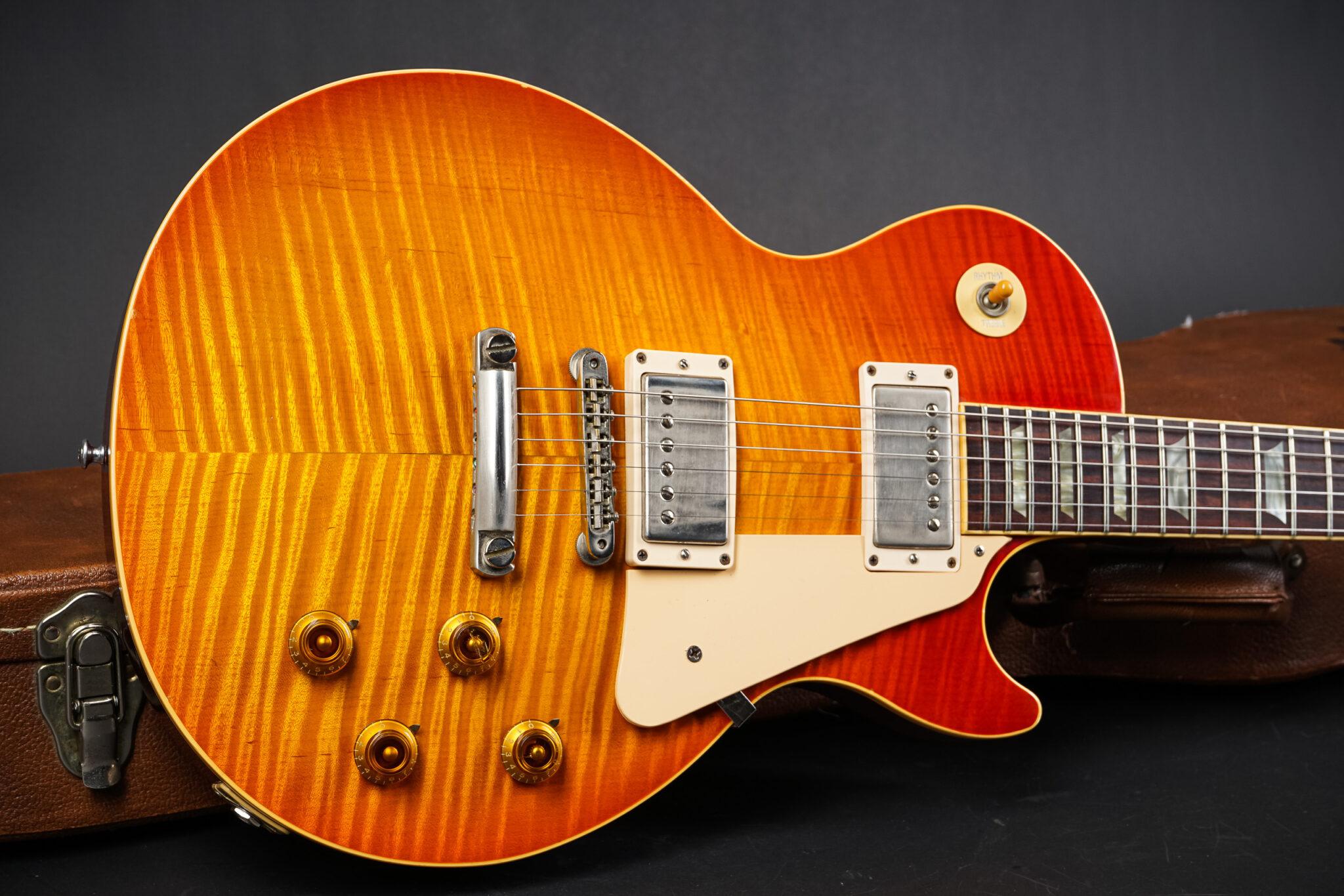 https://guitarpoint.de/app/uploads/products/1992-gibson-les-paul-standard-pre-historic-reissue-killertop/1992-Gibson-Les-Paul-Prehistoric-Reissue-27430-10-2048x1366.jpg