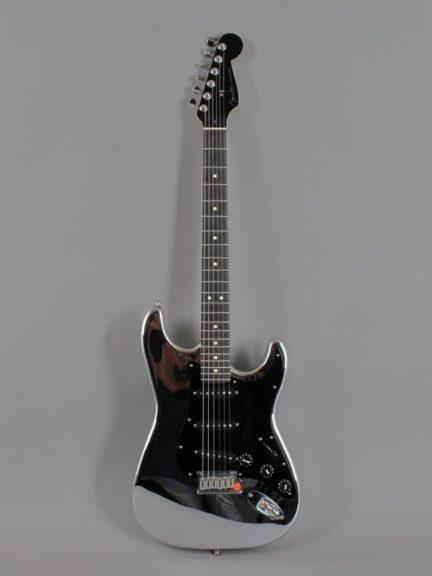 https://guitarpoint.de/app/uploads/products/1994-fender-custom-shop-chrome-stratocaster/1994-Fender-Chrome-Stratocaster_1-432x576.jpg