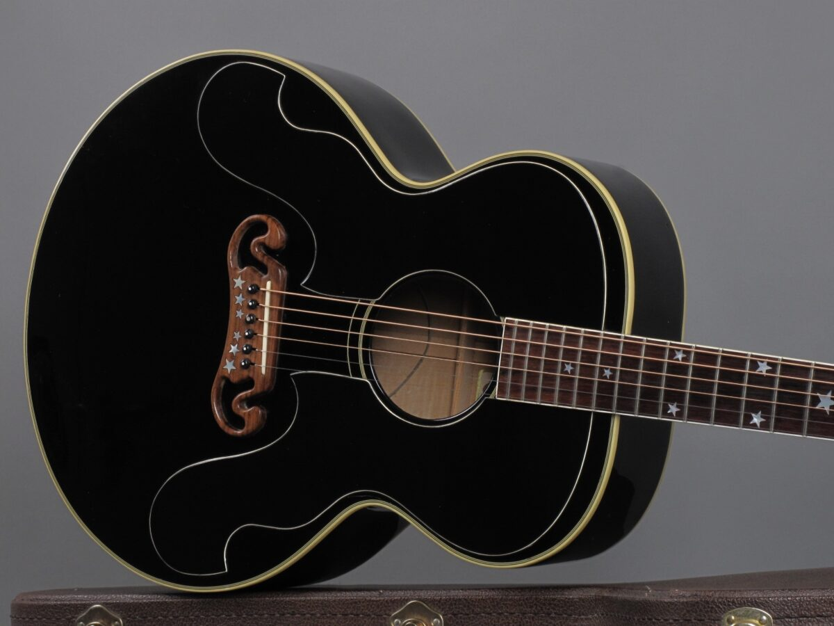 https://guitarpoint.de/app/uploads/products/1994-gibson-j-180-everly-brothers-100th-anniversary-ebony/1994-Gibson-Everly-Brothers-100-90264008_19-1200x900.jpg