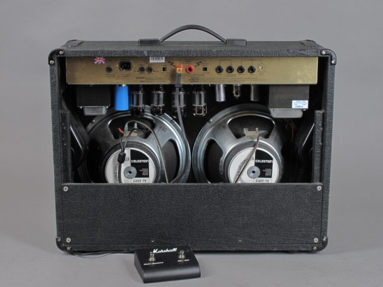 https://guitarpoint.de/app/uploads/products/1994-marshall-jcm900-higain-dual-reverb-combo-100-watt/1994-Marshall-JCM900-4502-3646250_5-768x576.jpg