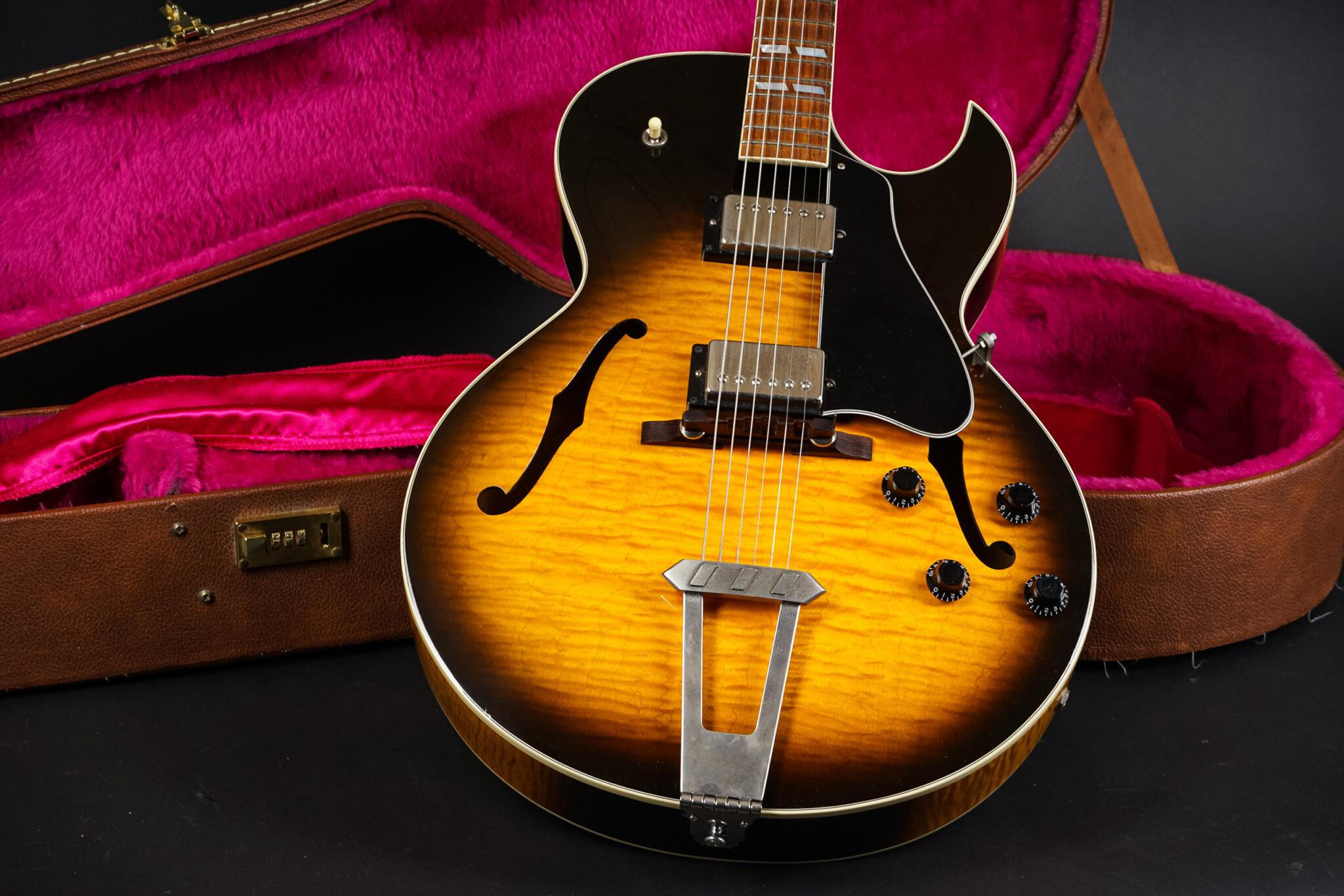 https://guitarpoint.de/app/uploads/products/1995-gibson-es-175-d-92795312/1995-Gibson-ES175D-Sunburst-11-2048x1366.jpg