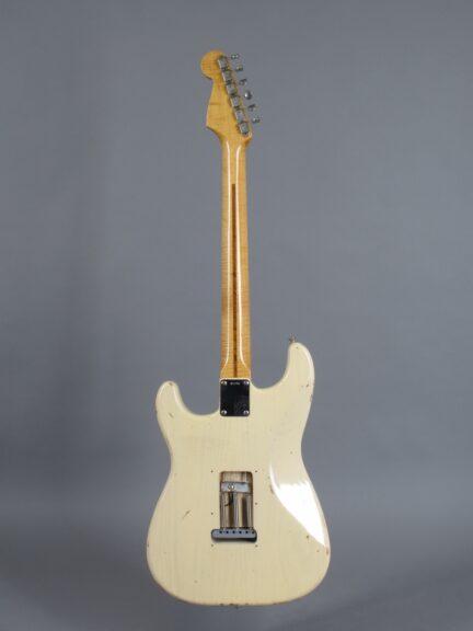 https://guitarpoint.de/app/uploads/products/1997-fender-custom-shop-cunetto-cruz-1956-stratocaster-blond/1997-Fender-Stratocaster-Cunetto-Blond-R2206-3-432x576.jpg