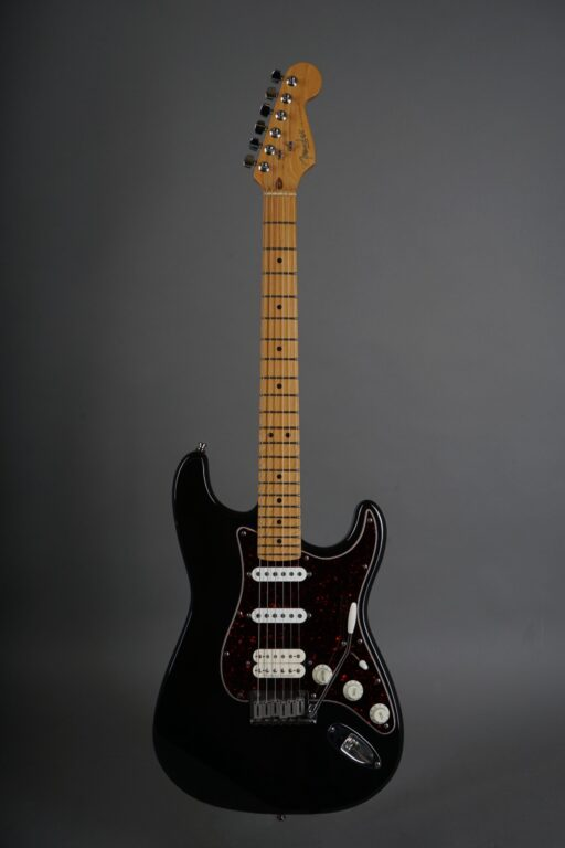https://guitarpoint.de/app/uploads/products/1997-fender-lonestar-stratocaster-black/1997-Fender-Lonestar-Stratocaster-Black-N7295254-1-scaled-512x768.jpg