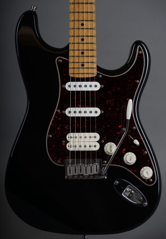 https://guitarpoint.de/app/uploads/products/1997-fender-lonestar-stratocaster-black/1997-Fender-Lonestar-Stratocaster-Black-N7295254-2-scaled-534x768.jpg