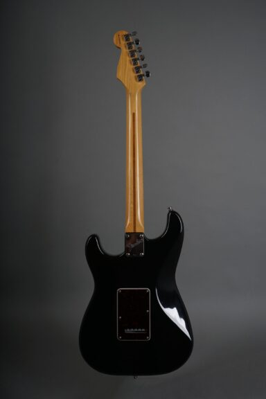 https://guitarpoint.de/app/uploads/products/1997-fender-lonestar-stratocaster-black/1997-Fender-Lonestar-Stratocaster-Black-N7295254-3-scaled-384x576.jpg