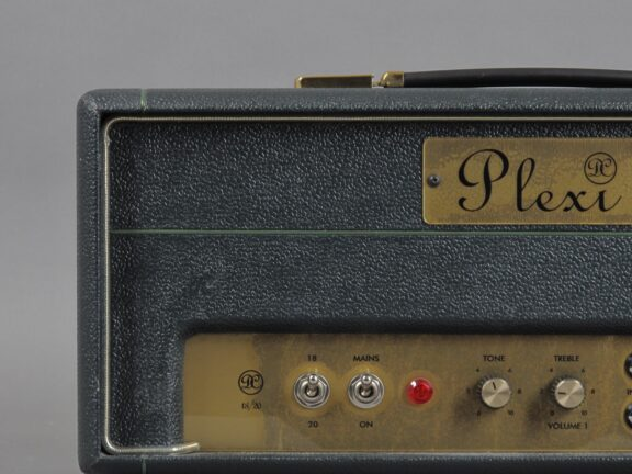 https://guitarpoint.de/app/uploads/products/2000s-plexi-dc-18-20-early-cornell/2000-Plexi-DC-18-20-0007_3-576x432.jpg