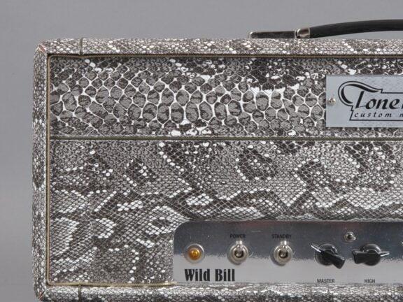 https://guitarpoint.de/app/uploads/products/2000s-tonehunter-wild-bill-snakeskin/2000-Tonehunter-Wild-Bill_3-576x432.jpg