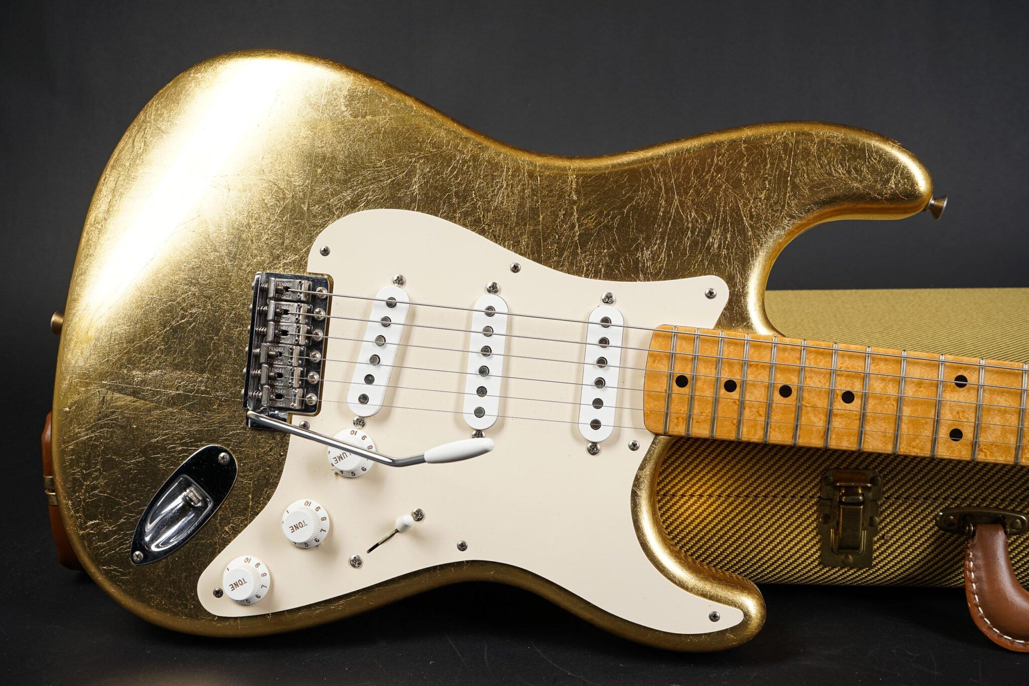 https://guitarpoint.de/app/uploads/products/2003-fender-custom-shop-gold-leaf-stratocaster-telecaster-set-8-of-10/leaf-str-1-2048x1366.jpg
