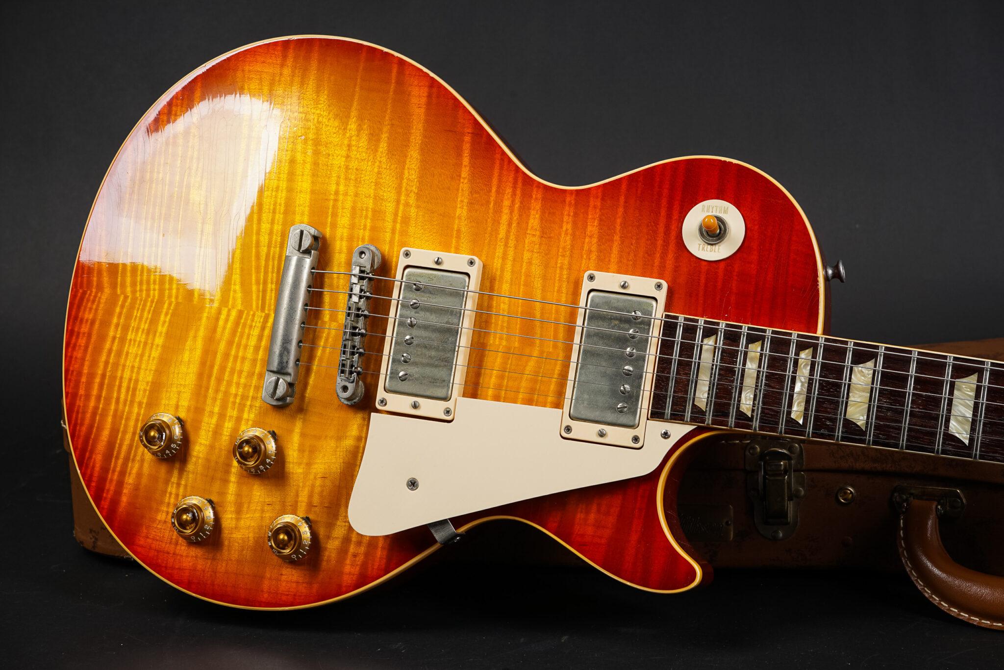 https://guitarpoint.de/app/uploads/products/2003-gibson-les-paul-1959-standard-reissue-stinger-murphy-aged/2003-Gibson-Les-Paul-1959-Les-Paul-Stinger-Murphy-Aged-931564-8-2048x1366.jpg