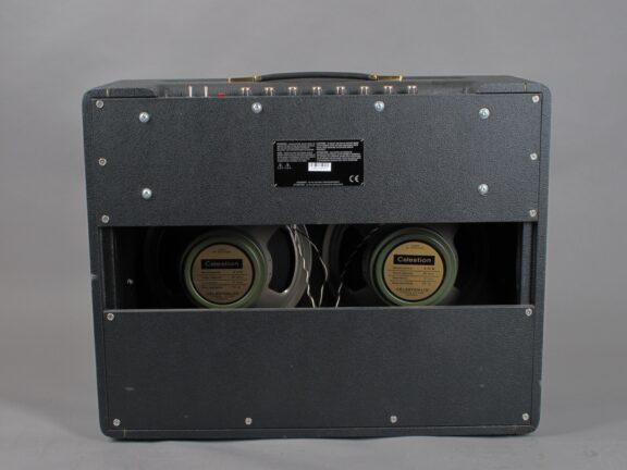 https://guitarpoint.de/app/uploads/products/2004-marshall-1962-bluesbreaker/2004-Marshall-62-Bluesbreaker-26-0776A_4-576x432.jpg