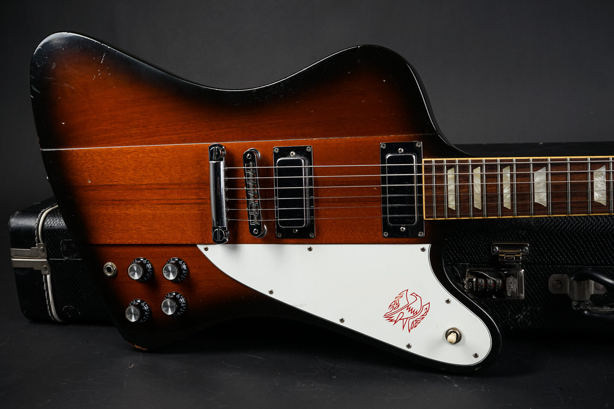 https://guitarpoint.de/app/uploads/products/2007-gibson-firebird-sunburst/2007-Gibson-Firebird-Sunburst-001770316-9-2048x1366.jpg