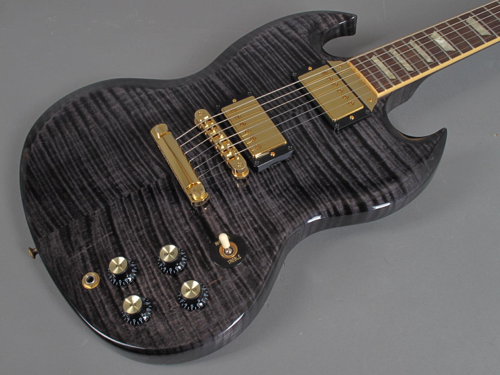 https://guitarpoint.de/app/uploads/products/2007-gibson-sg-select-translucent-black/Gibson-SG-Select-TBK-7.jpg