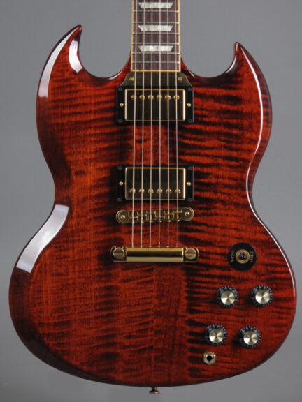 https://guitarpoint.de/app/uploads/products/2007-gibson-sg-select-translucent-red/2007-Gibson-SG-Select_TR-022770337-2-432x576.jpg