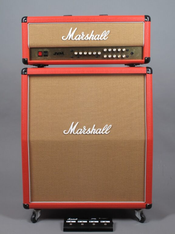 https://guitarpoint.de/app/uploads/products/2008-marshall-jvm-205h-red-levant-4x12-1960tv-lead-cab/2008-Marshall-205H-Red-M-2008-33-0365-1_1-576x768.jpg