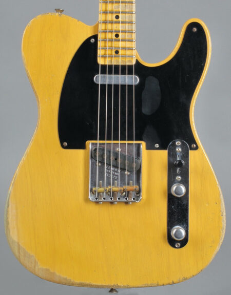 https://guitarpoint.de/app/uploads/products/2012-fender-custom-shop-1952-tele-heavy-relic-nocaster-blond/2012-Fender-52-CS-Telecaster-R12125-2-450x576.jpg