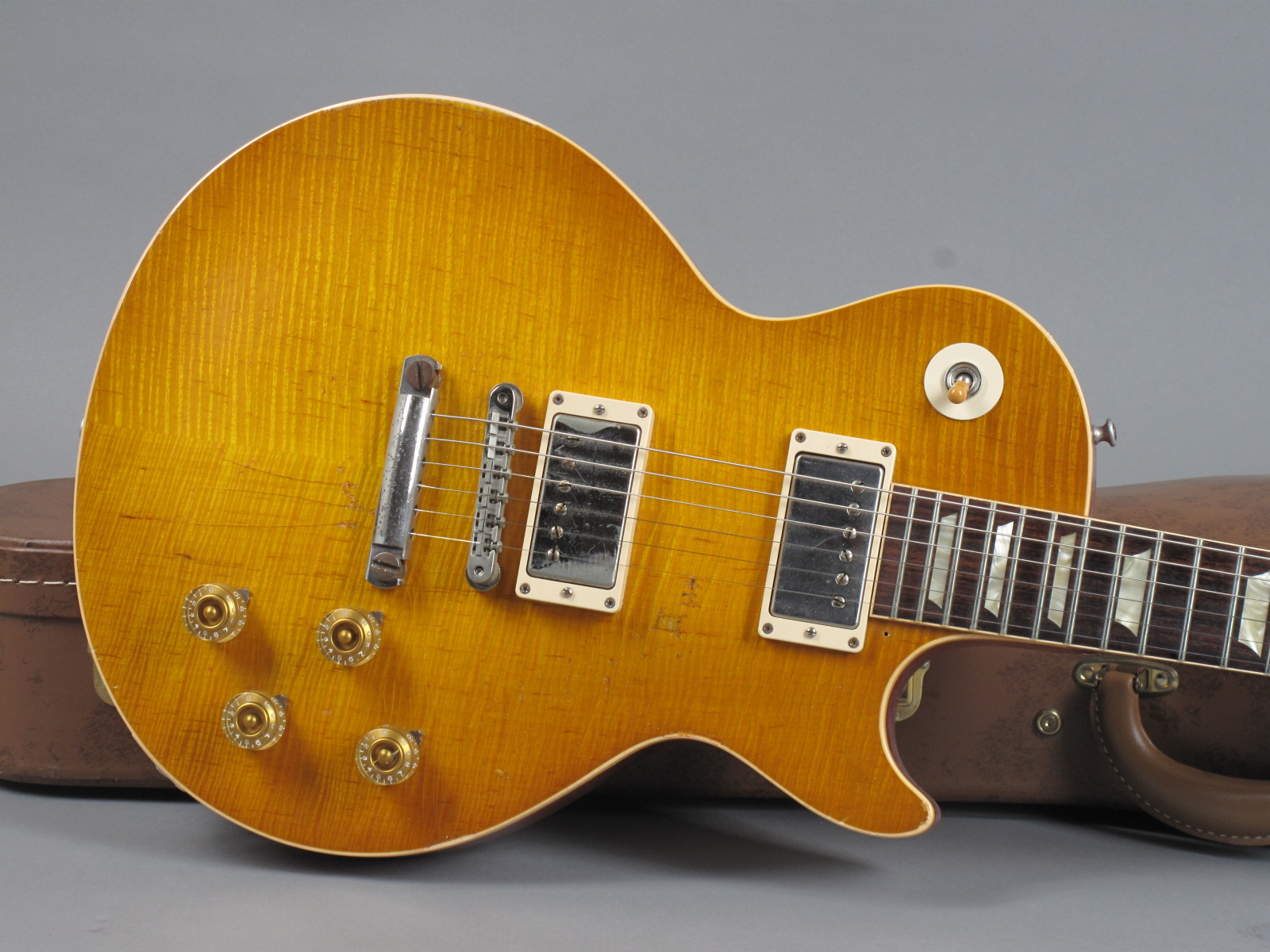 https://guitarpoint.de/app/uploads/products/2012-gibson-1959-les-paul-kossoff-standard-tom-murphy-aged/2012_Gibson-Les-Paul-Paul-Kossoff-Aged-KOSSOFF76_8.jpg