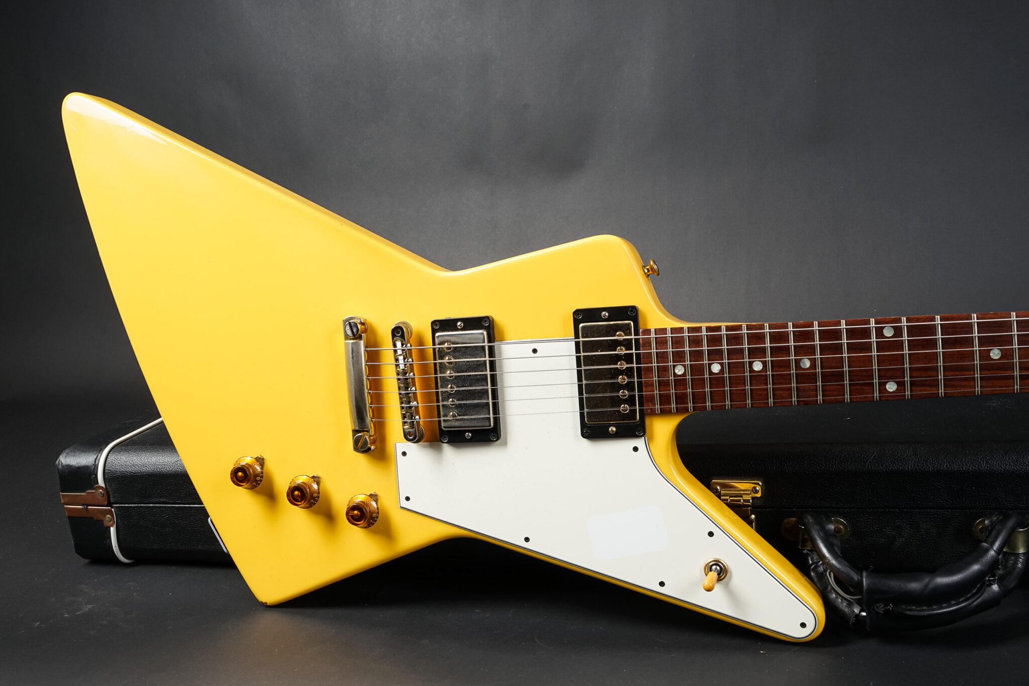 https://guitarpoint.de/app/uploads/products/2013-gibson-custom-shop-1958-explorer-aspen-white-vos/2013-Gibson-Explorer-Custom-Shop-1958-Reissue-Aspen-White-7-2048x1366.jpg